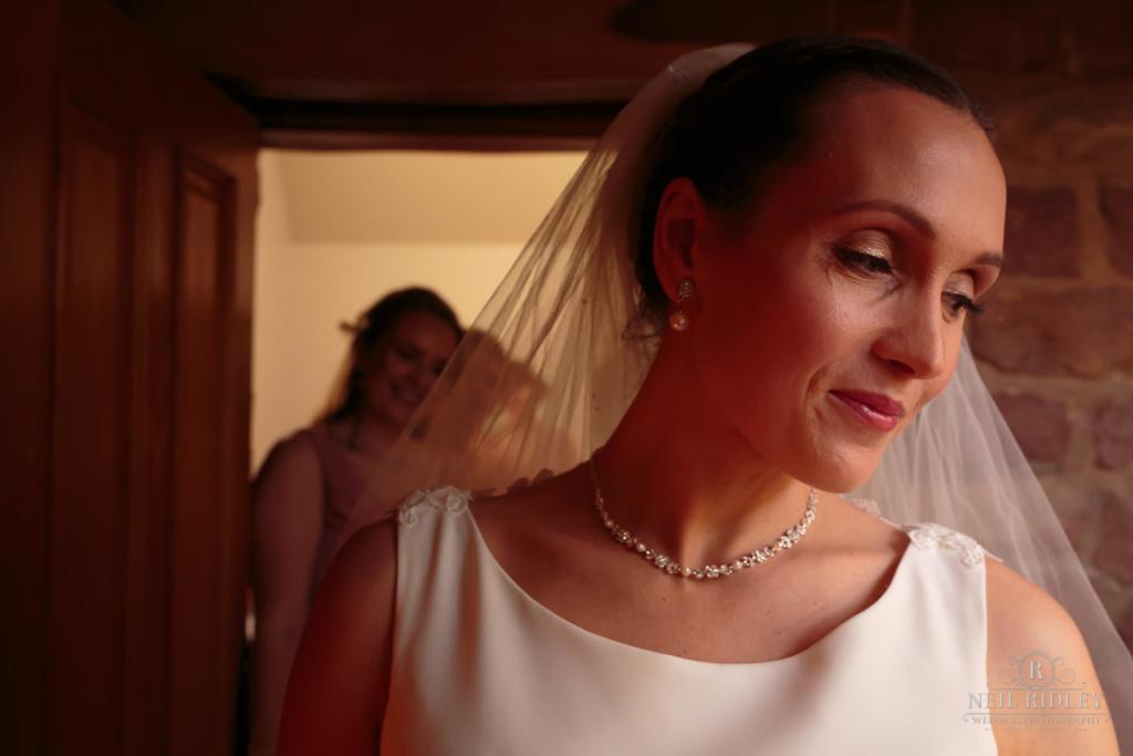 Beeston Manor Wedding Photographer - Bridal Preperations
