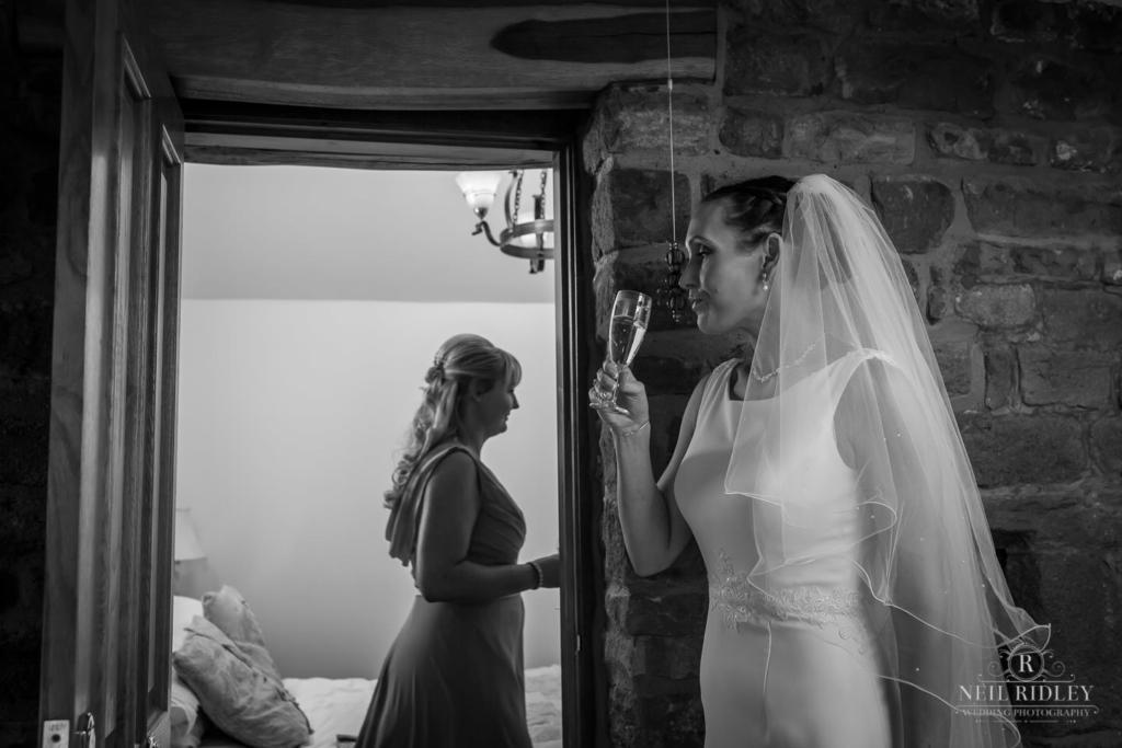 Beeston Manor Wedding Photographer - Brides Drinks